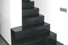 Scale rivestite in resina
